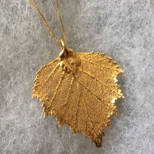 Jewelry - 18k gold leaf necklace